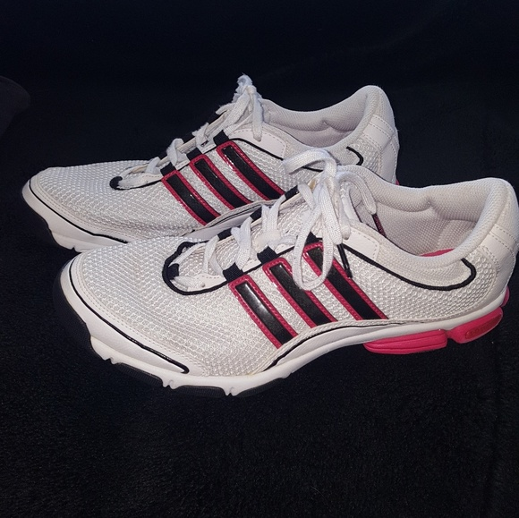 Adidas 3-D cushion training shoes